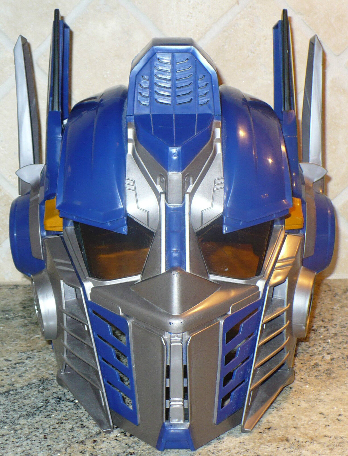 2006 HASBRO HASBRO HASBRO TRANSFORMERS OPTIMUS PRIME TALKING HELMET MASK fff09d