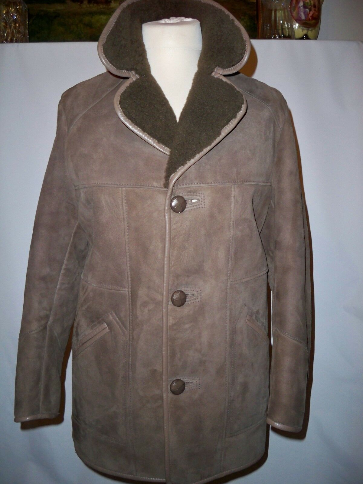 VINTAGE  REAL SHEEPSKIN COAT  UK 40    BRITISH MADE
