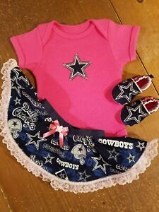 on sale ba6e6 f78aa Details about Dallas Cowboys Baby Girl 3 Piece Tailgating Outfit Baby  Tailgating 3-6 M Pink