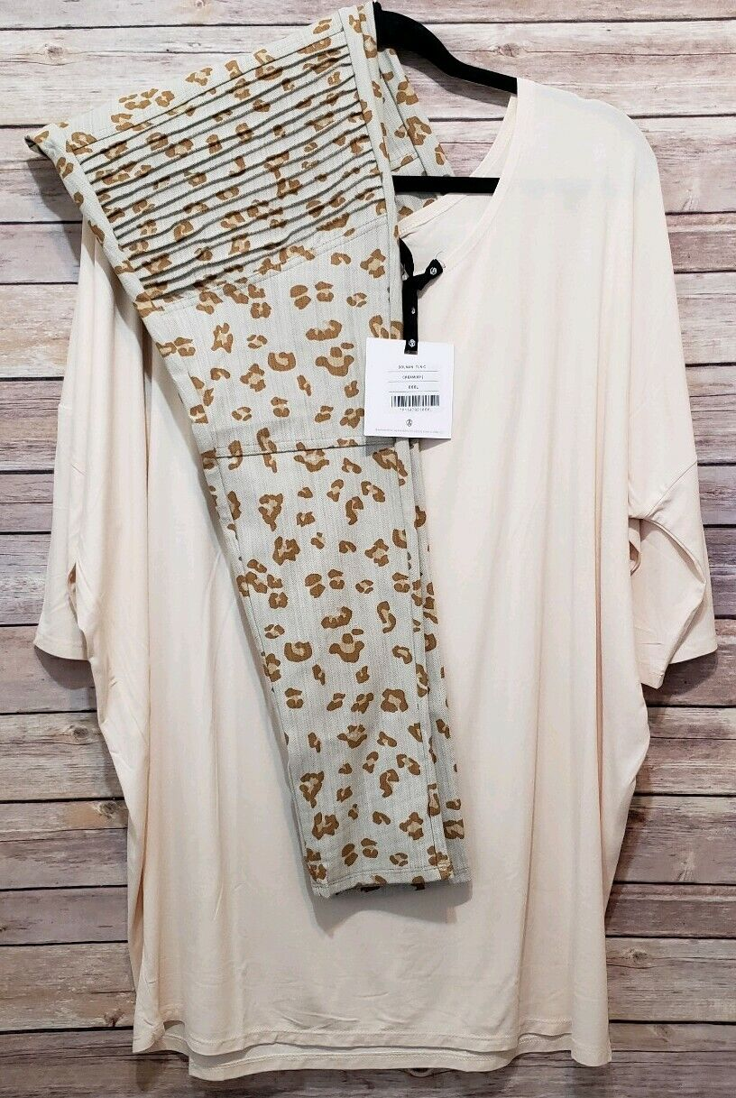 Agnes & Dora Outfit XXXL Dolman Tunic Cream & XXL Animal Print Moto Jeggings