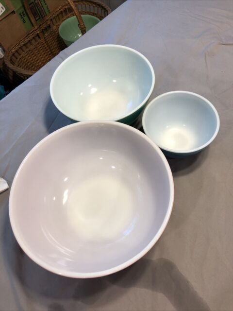 Pyrex Primary Colors Nesting Mixing Vintage Bowls Set of 3- 401, 403, 404
