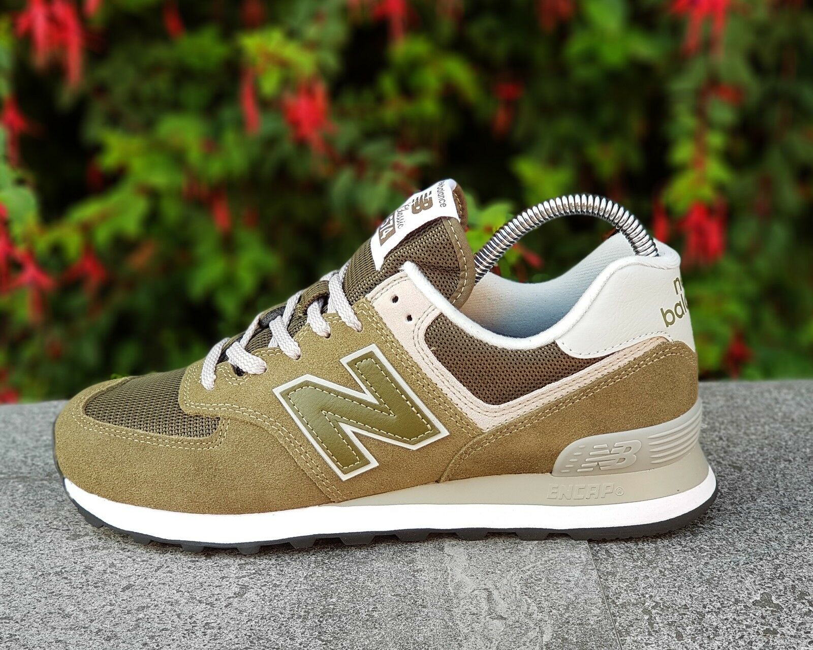 BNWB & AUTHENTIC New Balance ® ML574 EGO Oliva in Pelle Scamosciata Stile Retrò Sneaker