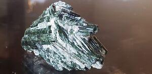 39g-A-Top-Quality-amp-Sharp-Crystals-of-Diopside-Cluster-Specimen