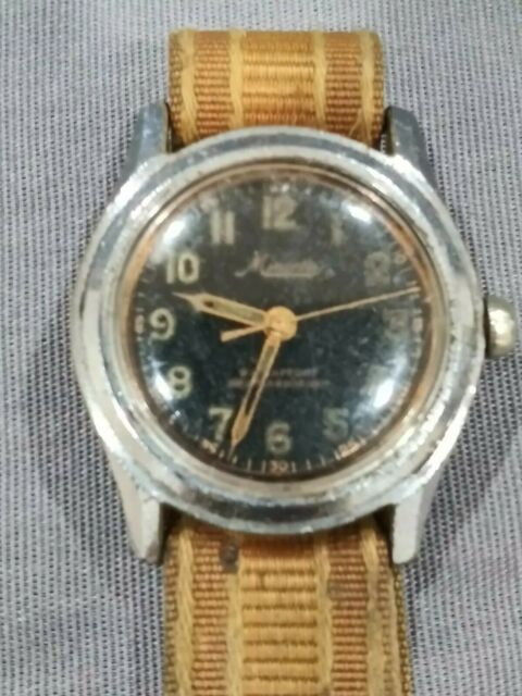 MEN'S 32 mm MINERVA collector's WWII ERA wristwatch black Face. (R422)