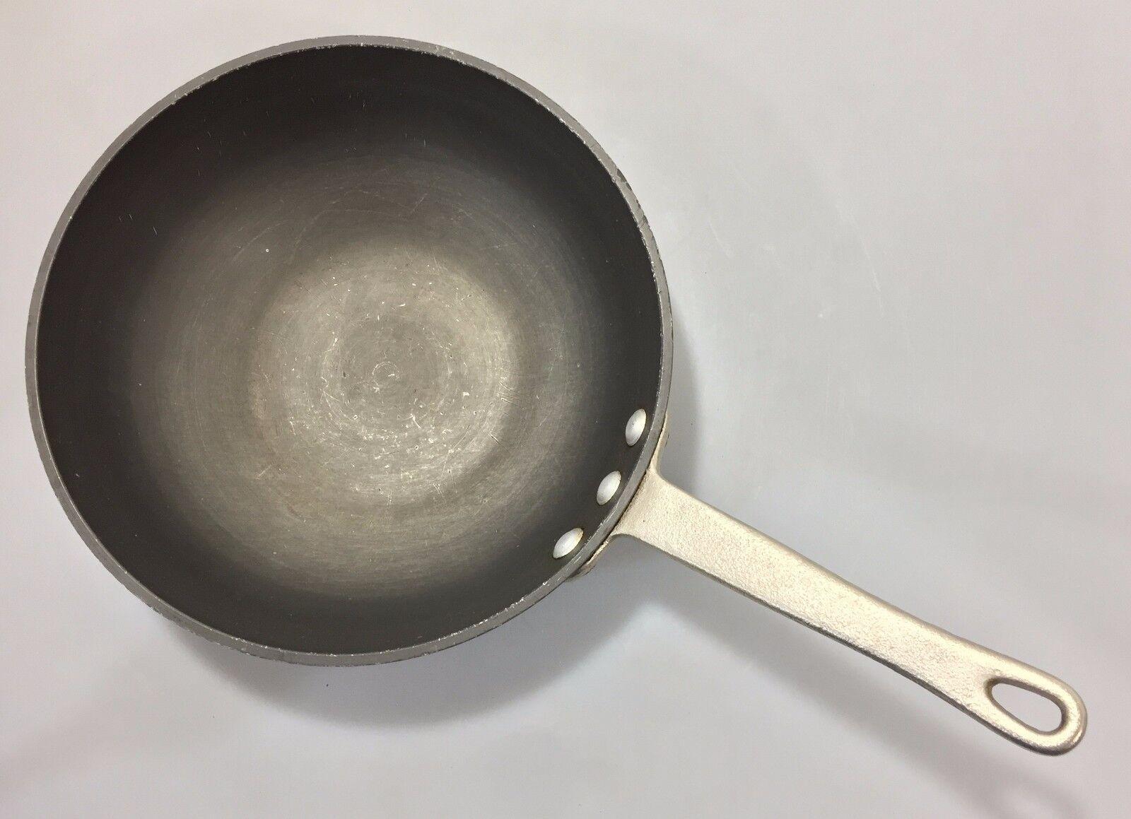 Calphalon 8.75  Saute Pan G175 HC Commercial Cookware Toledo