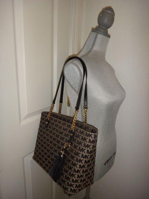 2487c316cd5d76 MICHAEL KORS EW Tassel Gold Chain Tote Beige Black Zip Bag MK Signature  Jacquard