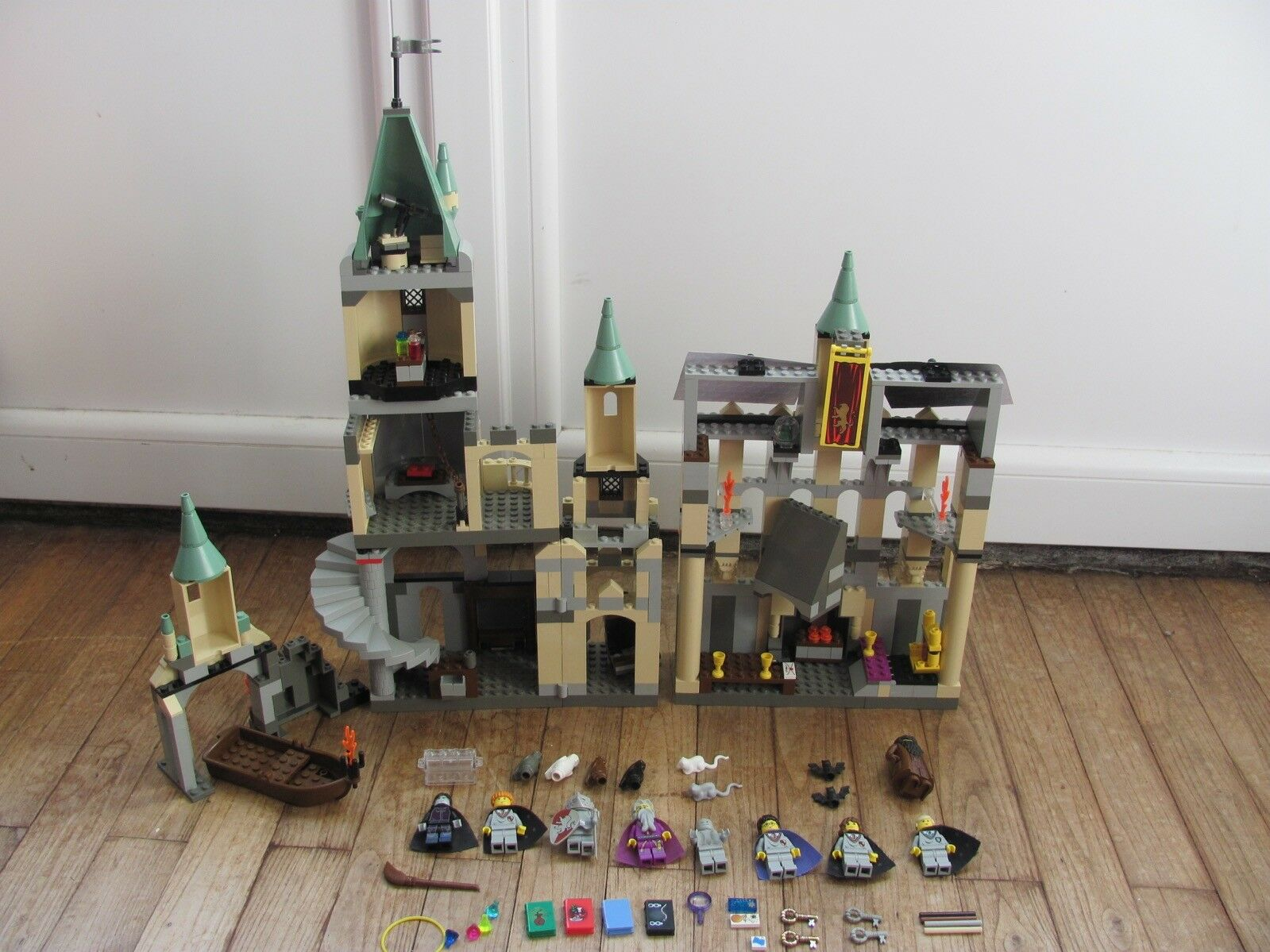 LEGO 4709 @@ HARRY POTTER @@ HOGWARTS CASTLE @@ 100% COMPLET
