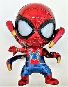 Iron-Spiderman-Figure-sur-une-position-pieds-magnetiques-DEL-Yeux-piles-incluses