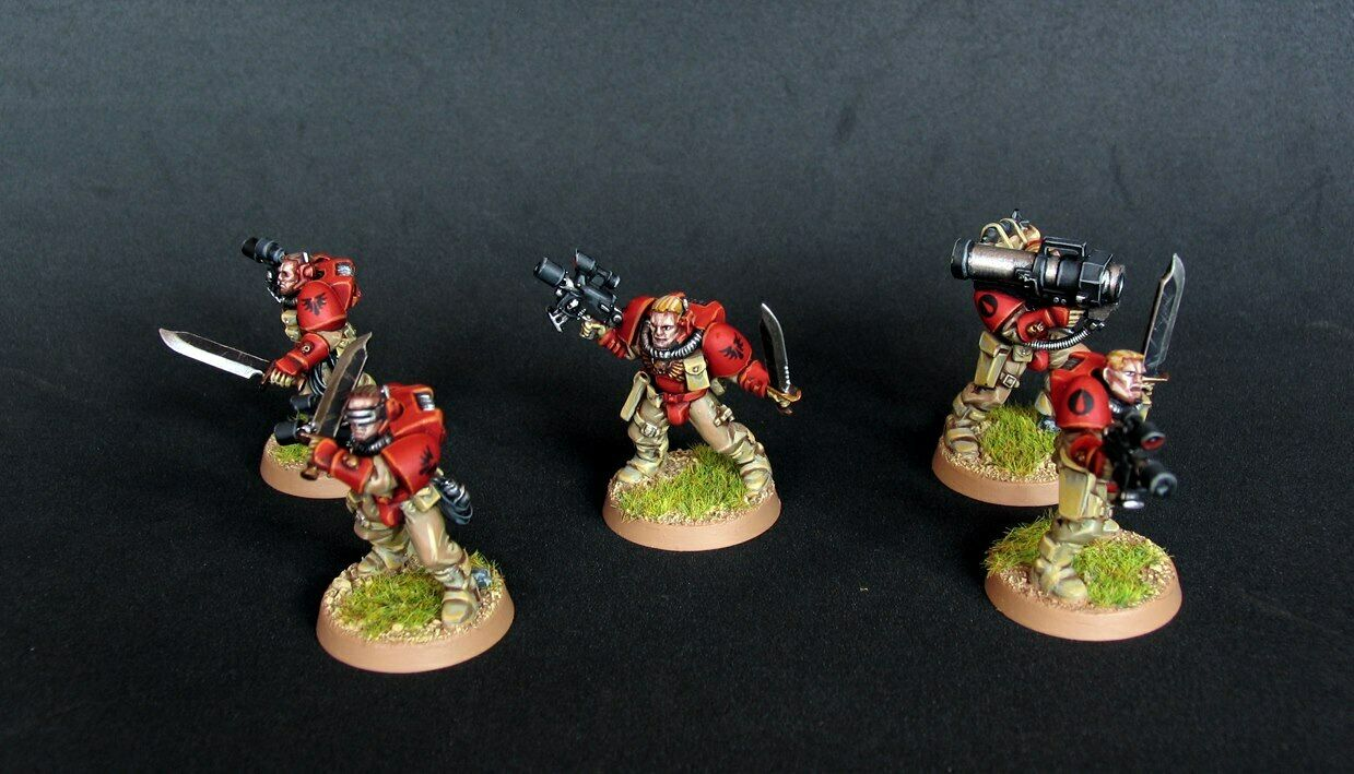 Pro painted Warhammer 40k Blood Angels Scout squad miniatures (x5)