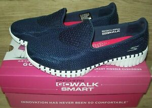 Skechers Women's Go Walk Smart 16700