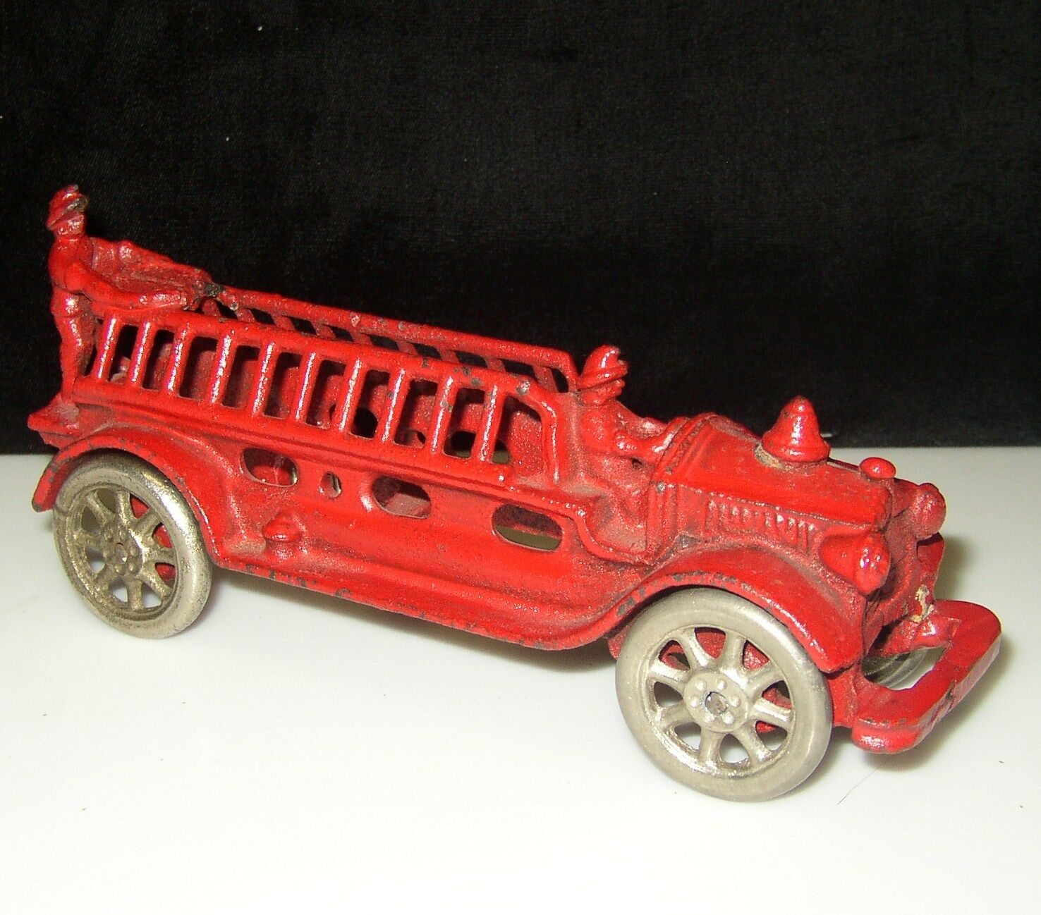 1920`s A.C. WILLIAMS CAST IRON FIRE FIRE DEPT. ENGINE LADDER TRUCK NICKLE WHEELS 7.5