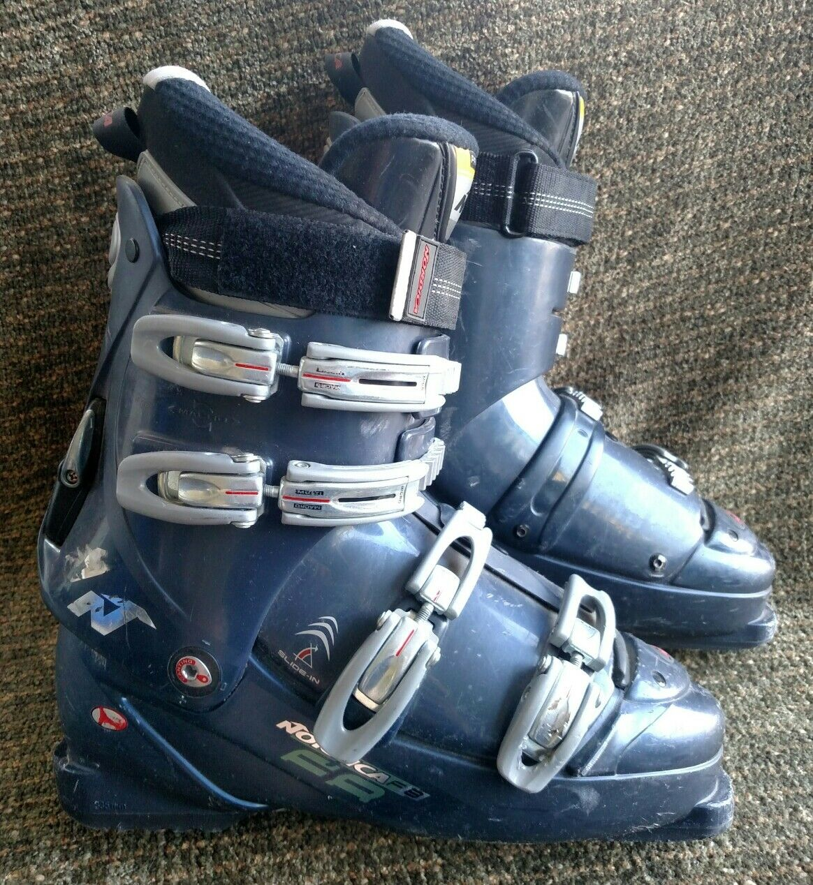 Nordica F8 335mm bluee downhill ski boots size 11.5 US women's