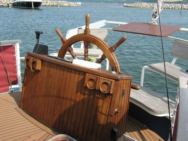 Motorbåd med mesan mast, Motorbåd, årg. 1985