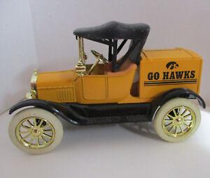 Iowa-Hawkeye-Ertl-Bank-1-25-Ford-Runabout-1918-Die-Cast-Metal-Coin-Bank