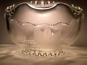 Vintage-Indiana-glass-034-village-Guild-034-9-034-salad-bowl-Lotus-etched