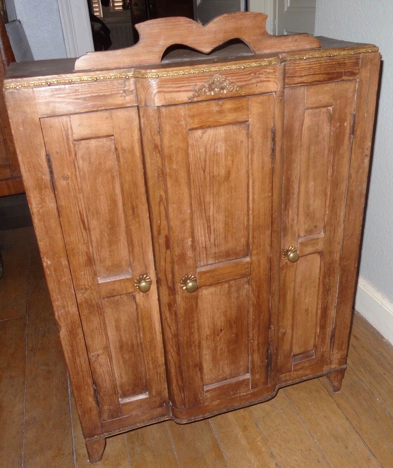 Meuble de maitrise armoire penderie mobilier de poupée en bois 1900's