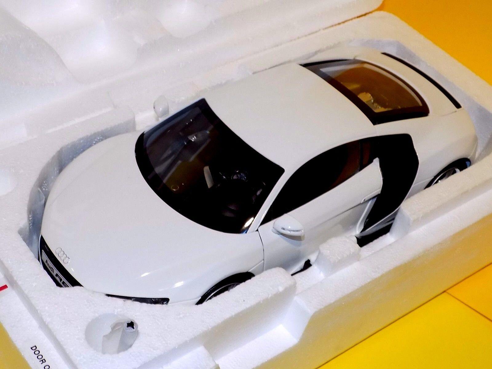 AUDI R8  4.2 FSI V8 2007 WHITE  KYOSHO 09213W   1 18