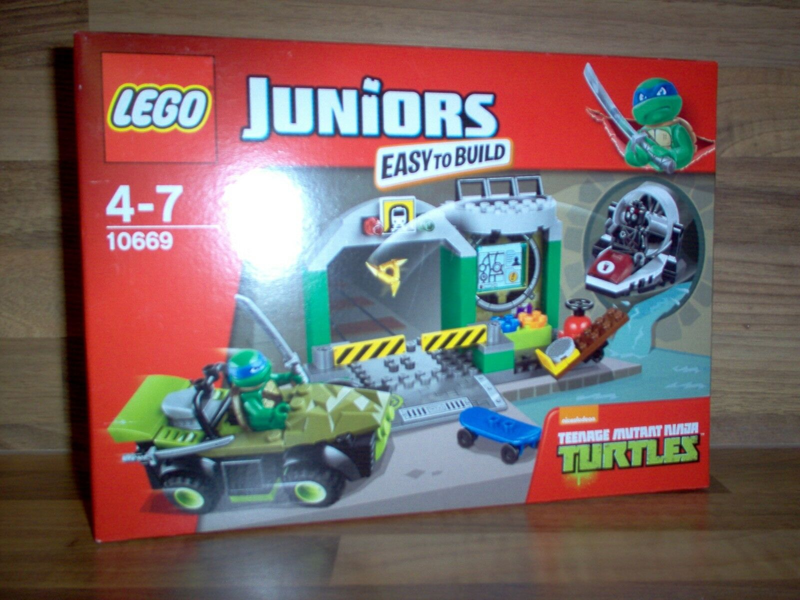 Lego Juniors - Set 10669 - Turtle Ninja Turtle's Lair / 2014 Neuf Rare