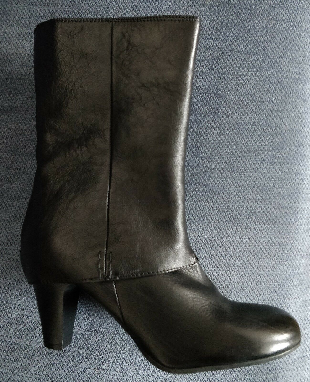 Ladies Clarks Black Leather Boots size 7