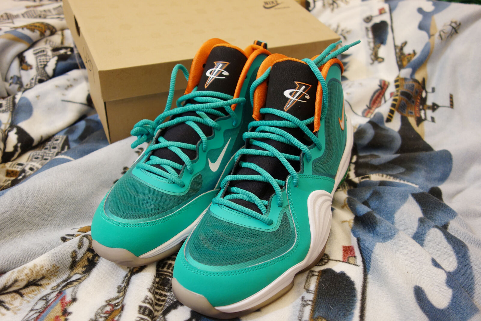 DS NIKE AIR PENNY V 5 GREEN WHITE MIAMI DOLPHINS 537331-300 SZ 10.5