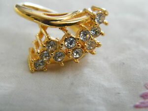 Beautiful Gold Tone Cocktail Ring Sparkling Clear