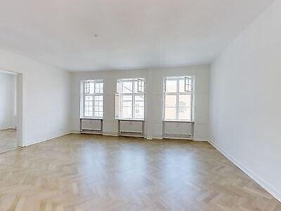 1468 vær. 5 lejlighed, m2 148, Løngangstræde