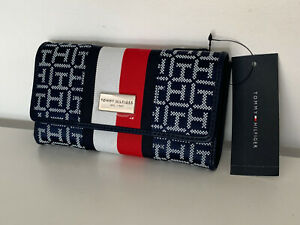 NEW-TOMMY-HILFIGER-BLUE-RED-WHITE-CHECKBOOK-CLUTCH-PURSE-WALLET-48-SALE