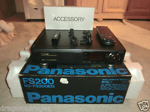 Panasonic NV-FS200 High-End S-VHS Videorecorder, komplett in OVP, 2J. Garantie