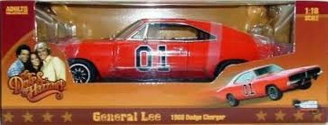 AUTO WORLD AMM964 1969 DODGE CHARGER model car DUKES OF HAZZARD GENERAL LEE 1 18