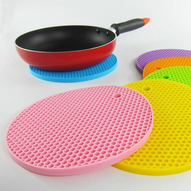 Silicone Heat Resistant Mat Round Non Slip Pot Holder Pad, Oven Mitt for Kitchen