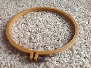 """BRAND NEW Medium 8"""" x 1/2"""" Round Plastic Quilting Embroidery Sewing Hoop"""