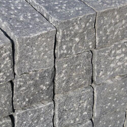 Naturstein Palisade Granit dunkel gespitzt ca.50x12x12cm
