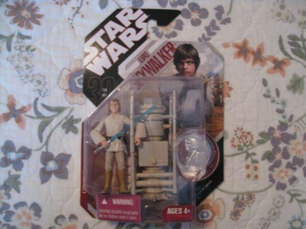 2008 Star Wars ANH 30th Luke Skywalker Moisture Farmer Action Figure # 30-18