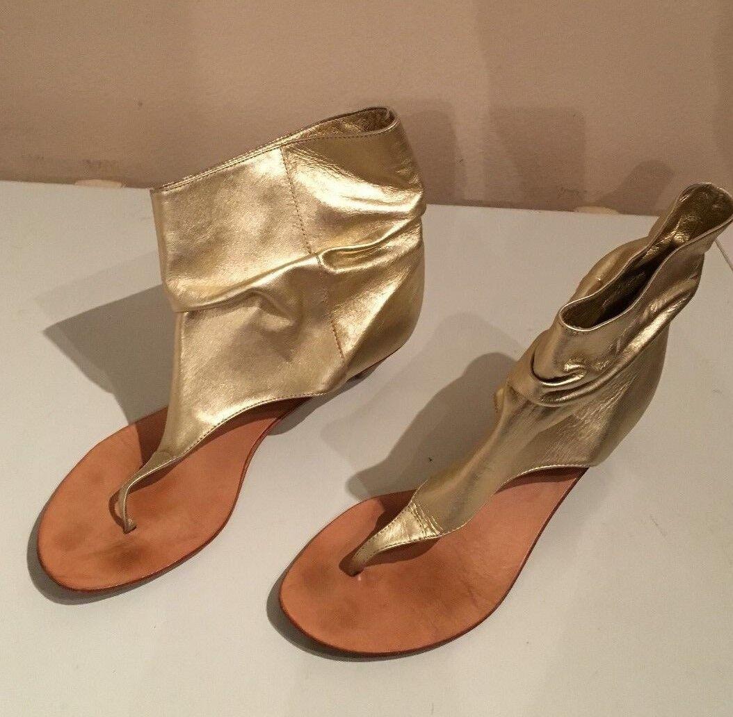 Womens BeBe Sandals Boots Size 8 gold Reg 144