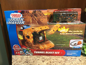 2fc353c043e Image is loading Fisher-Price-T2-Trackmaster-Tunnel-Blast-Set-Thomas-
