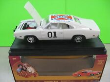 Dukes of Hazzard General Lee  1969 Dodge Charger White Lightning Car 1:18