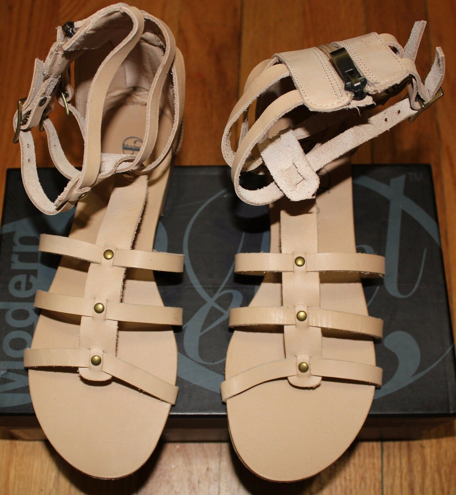 180 MODERN REBEL LAMBORN BEIGE GLADIATOR LEATHER SANDAL SZ 6.5M US