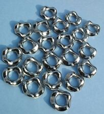10 x CCB Acrylic Linking Rings - Wavy - 20mm - Silver Colour