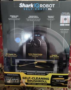Shark - IQ Robot Self Empty Vacuum rv1001ae New