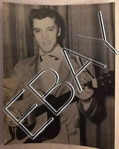 ELVIS-RARE-CANDID-ORIGINAL-3x5-PHOTO-ELLIS-AUDITORIUM-MEMPHIS-Feb-1956-076