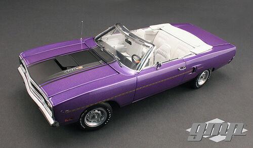 GMP 1970 Plymouth Road Runner Convertible Violeta 1:18New súper impresionante