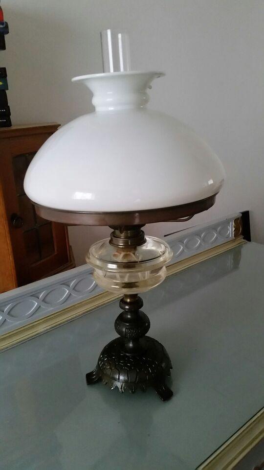 Petroleumslampe, Antik
