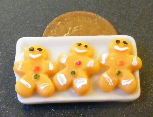 1:12 Scale 3 Ginger Bread Men On A Ceramic Plate tumdee Dolls House Cake