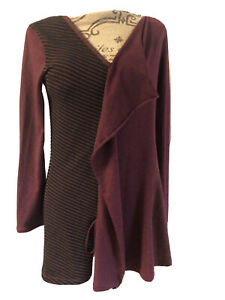 Dolcezza Women's Top Black Red Long Sleeve V Neck Tunic Large?