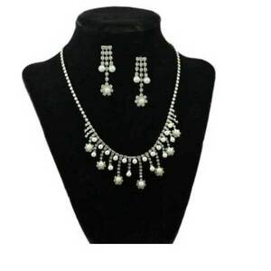 Crystal-and-Pearl-Daisies-Necklace-and-Pierced-Earring-Set-PNS830S