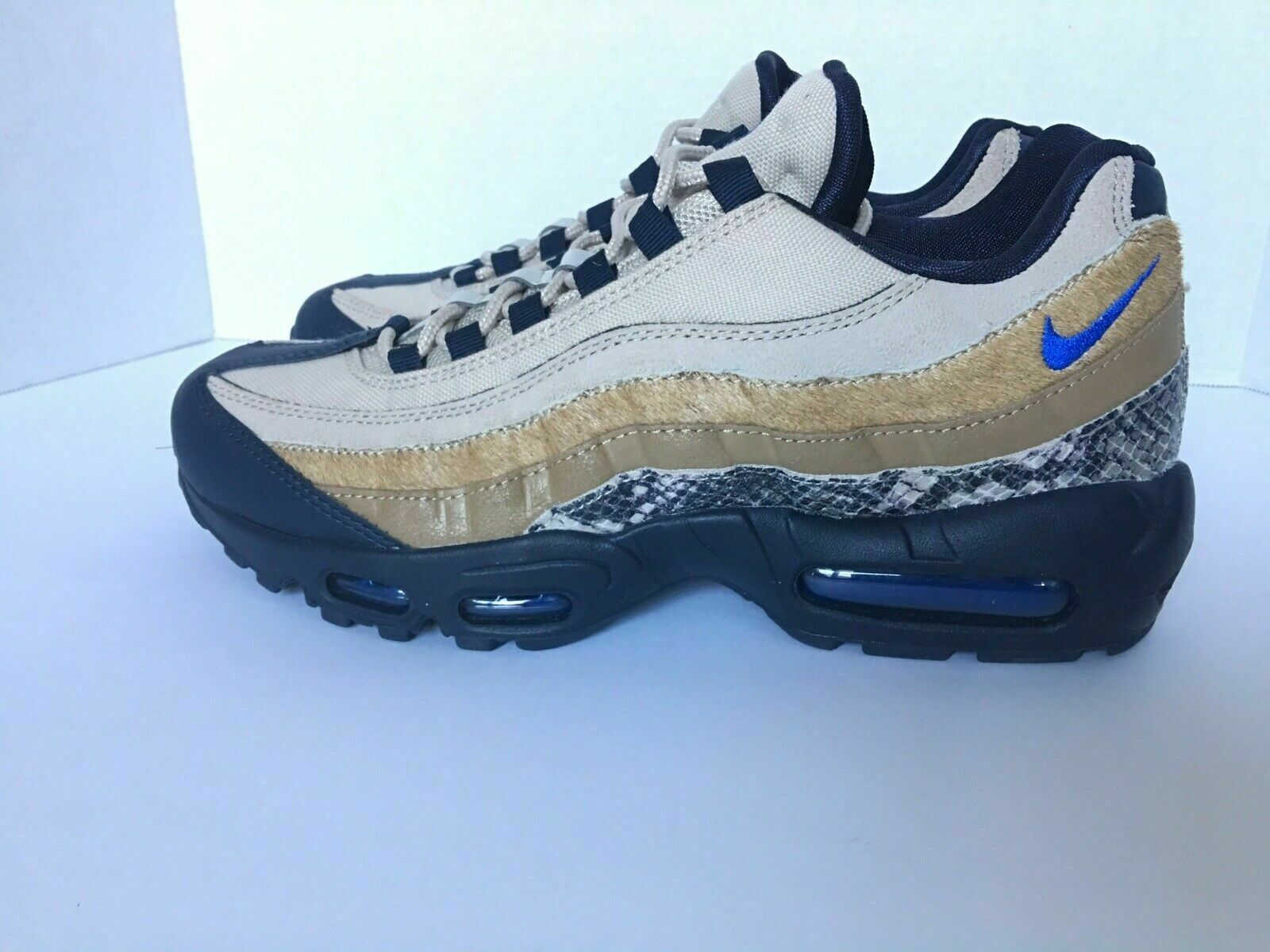 Nike Air Max 95 Newsprint bluee Hero-String Snakeskin AT6152 001 Size 10.5 in box
