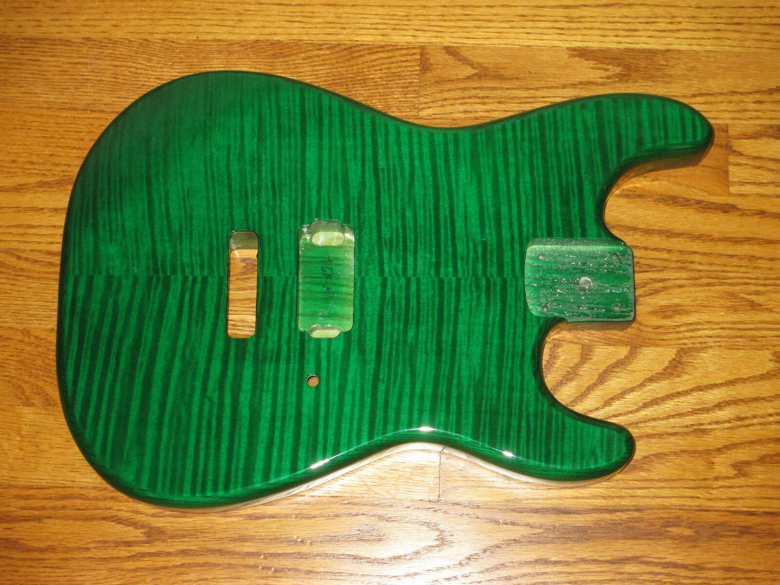 MIGHTY MITE BODY FITS FENDER STRATOCASTER 2 3 16th GUITAR NECK Grün FLAME TOP