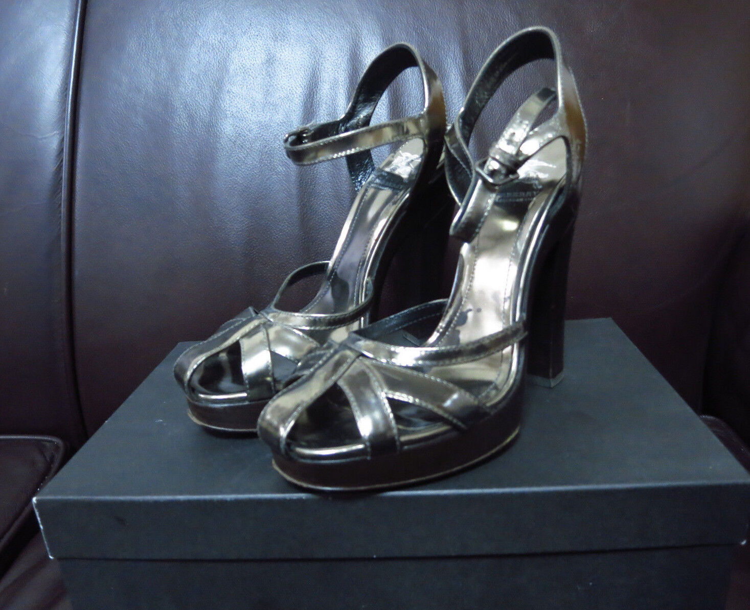 Burberry Silver Strappy Leather Platform Heels Sz 35.5