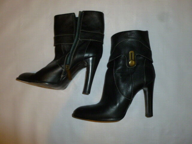 BCBG Maxazria Vero Cuoio Italian leather Taille 8B noir bottes   AS IS  SEE BELOW