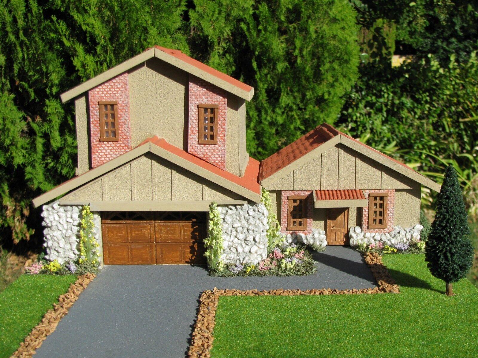 1 64 SCALE SCRATCHBUILT HOUSE DIORAMA BUILT BY ADAM GORMAN